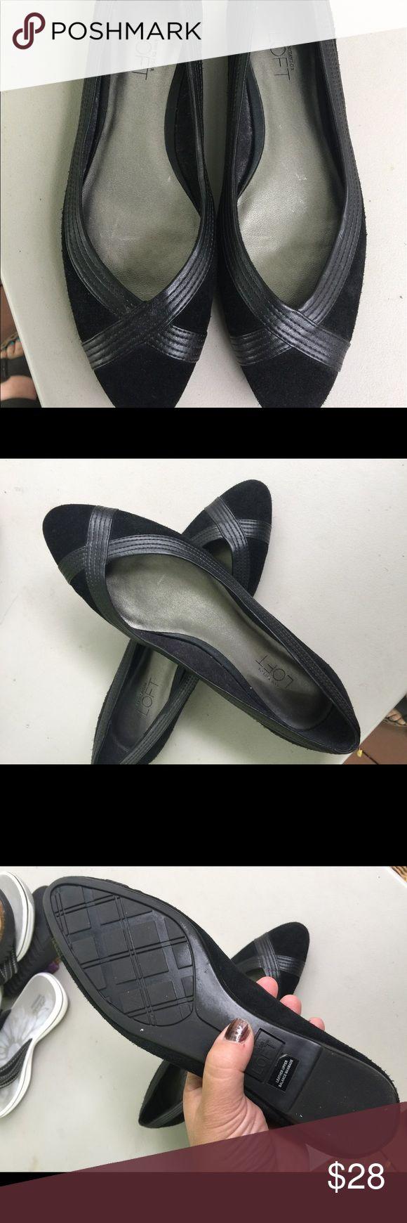 Women's Anne Taylor Loft Black Leather Flats 7M Women's Anne Taylor Loft Black Leather Flats 7M. Black Leather & Suede. Excellent Condition Ann Taylor Shoes Flats & Loafers