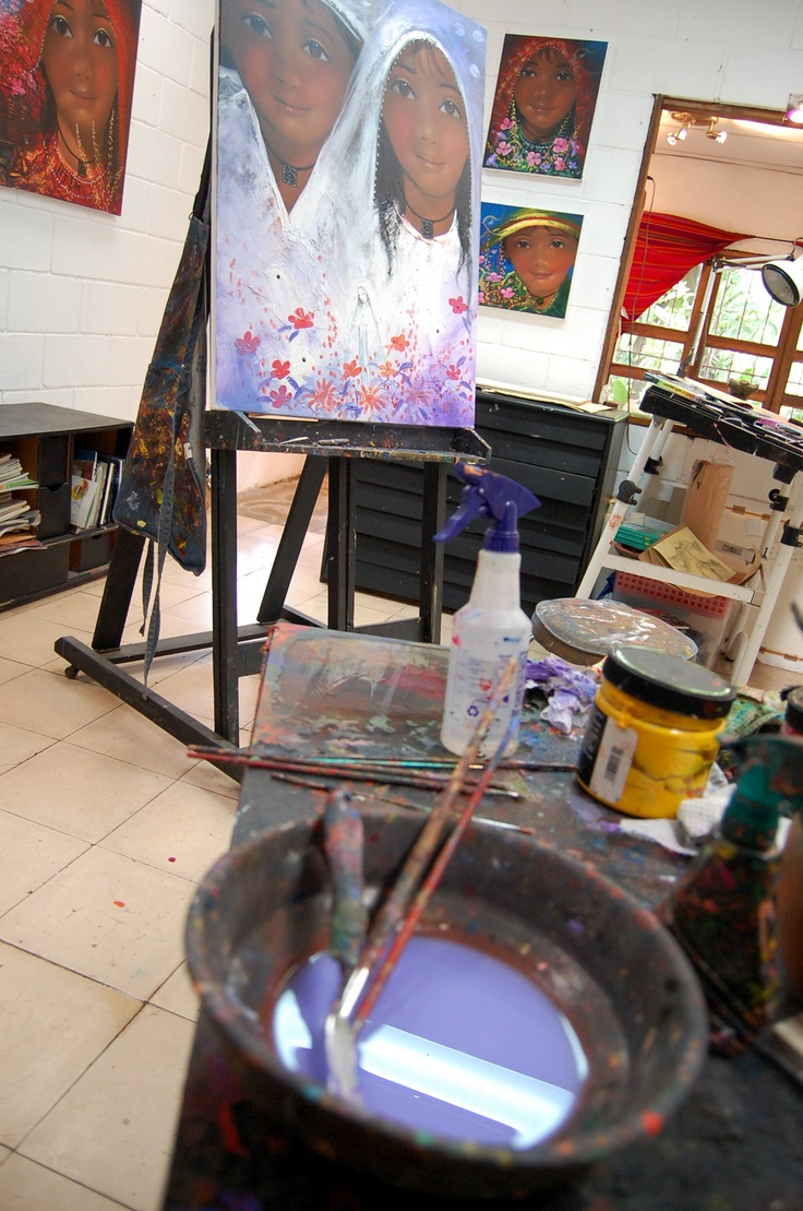 "Painter Miguel Angel's studio-house ""Encuentros"", open to the public in Panchimalco, El Salvador"