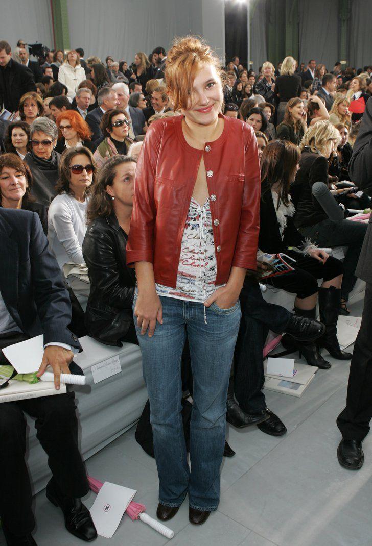 Pin for Later: Ça Ressemblait à Quoi la Fashion Week de Paris Y'a 10 Ans? Virginie Ledoyen Au défilé Chanel.