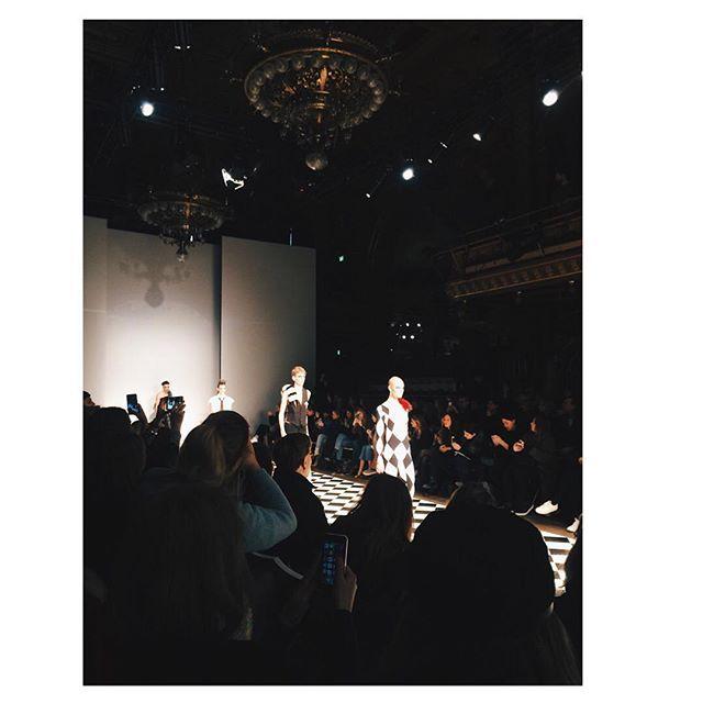 Dag 2. Maria Nilsdotter. #fashionweek#fwstockholm  Snapchat: anastasiabeck