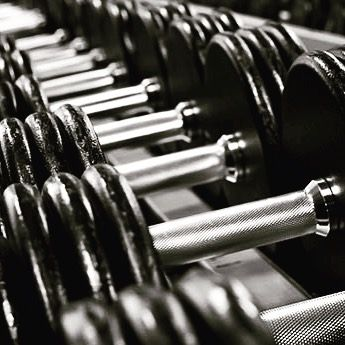 A study just released from the Mayo Clinic showed that following the recommended resistance training frequency (greater or equal to 2 days/week) is linked with lower rates of Metabolic Syndrome, which includes insulin resistance. Who knew weight lifting could be so amazing for your body? #weightlifting #lift #lifestylemedicine http://butimag.com/ipost/1554013994489150572/?code=BWQ936Vgvxs