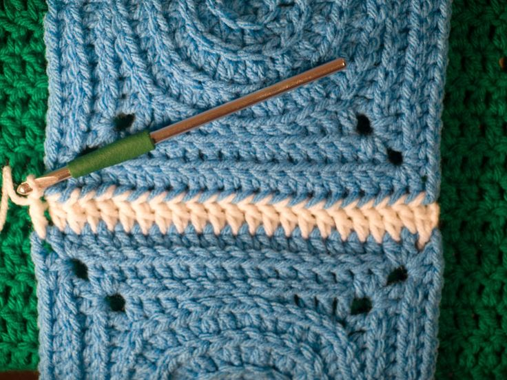 CrochetByKarin: Connecting Squares Using Double Crochet