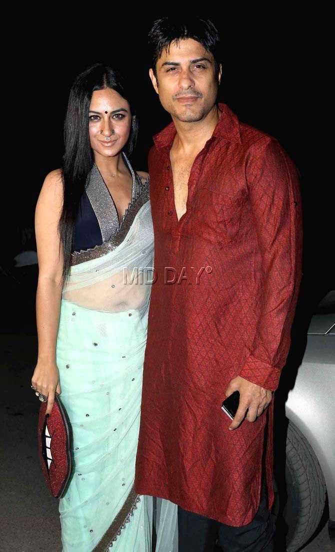 Priya Malik and Vikas Bhalla at Kishwer Merchant-Suyyash Rai's mehendi, sangeet ceremony. #Bollywood #Fashion #Style #Beauty #Hot #Sexy #Ethnic #Saree