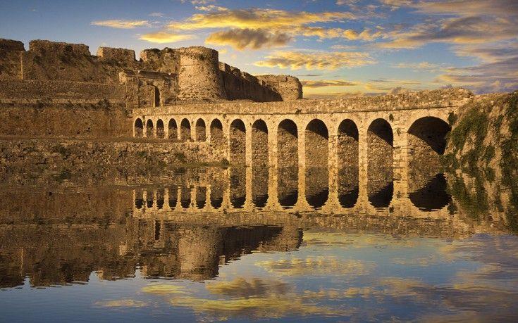 methoni castle - peloponnese