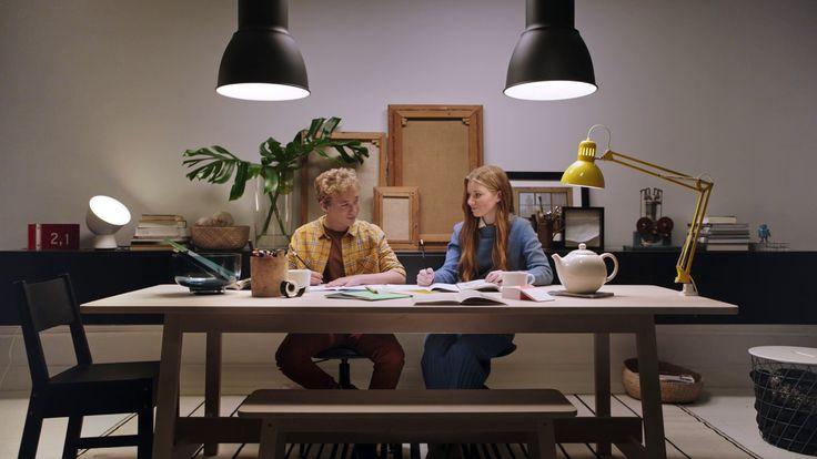 IKEA Smart belysning – Ljus när du pluggar. Och pussas. - YouTube