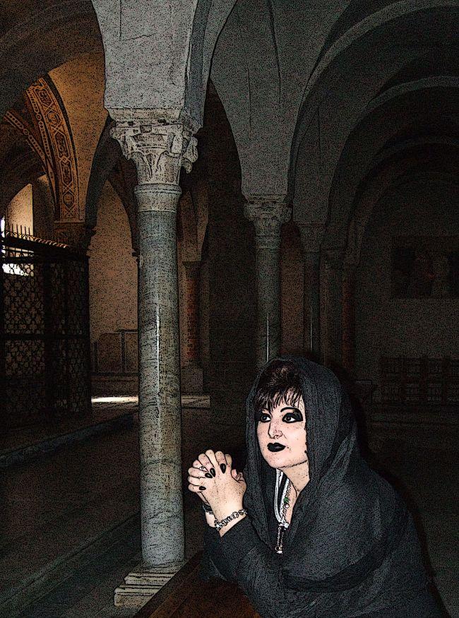 Un momento di raccoglimento...  http://www.ultimabooks.it/post-tenebras-i-racconti-del-cimitero