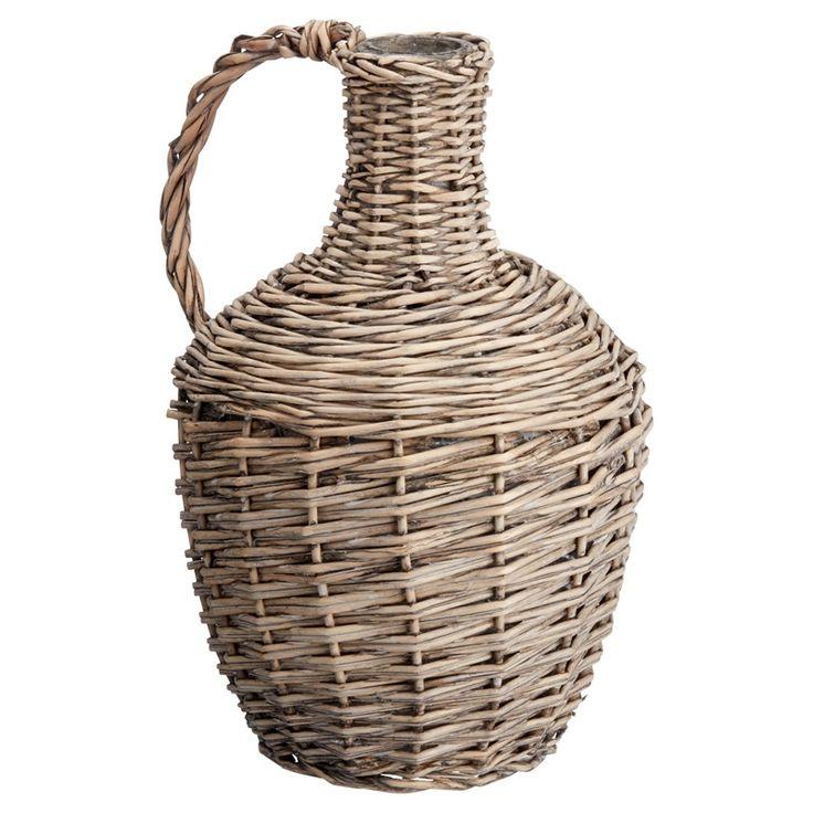 Fles BRENO is een ideaal accessoire voor je eigen Urban Jungle. Combineer deze rieten fles met een (kunst)plant en haal een stukje buiten naar binnen! #kwantum #kwantumbelgie #botanisch #botanischetrend #riet #interieur