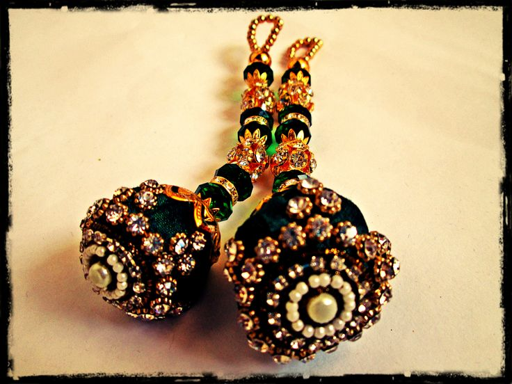 Fancy bollywood accessories for saree blouse and lengha.