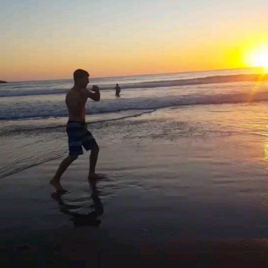 Shadow boxing and watching sunset.  #sunset #beach #mexico #cancun #sandiego #lajolla #shadowboxing #kickboxing #muaythai #boxing #boxe  #fitness #motivation #instalikes #fighting #follow #likes #муайтай #кикбокс #бокс #москва #россия #фитнес #ахиска #lajollalocals #sandiegoconnection #sdlocals - posted by Kurban Kurbanov  https://www.instagram.com/kurban_.k. See more post on La Jolla at http://LaJollaLocals.com