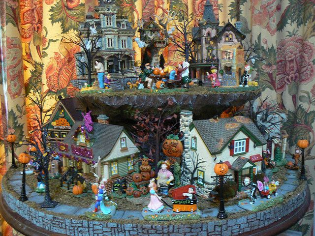 19 best Fall Village images on Pinterest   Halloween decorations ...