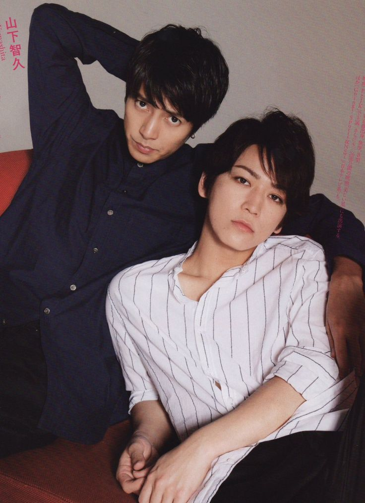 Kame to Yamapi Kame knows exactly just how much we love seeing them acting like lovebirds XD #no complaints 2017 mag