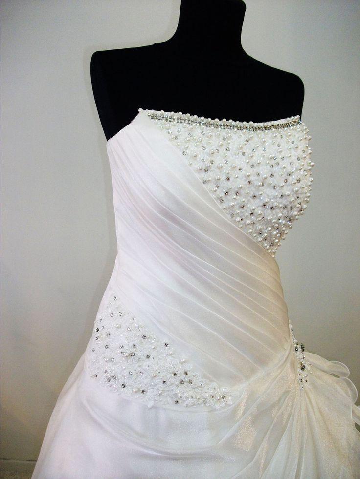 75 best Trou Rokke images on Pinterest   Wedding frocks, Homecoming ...
