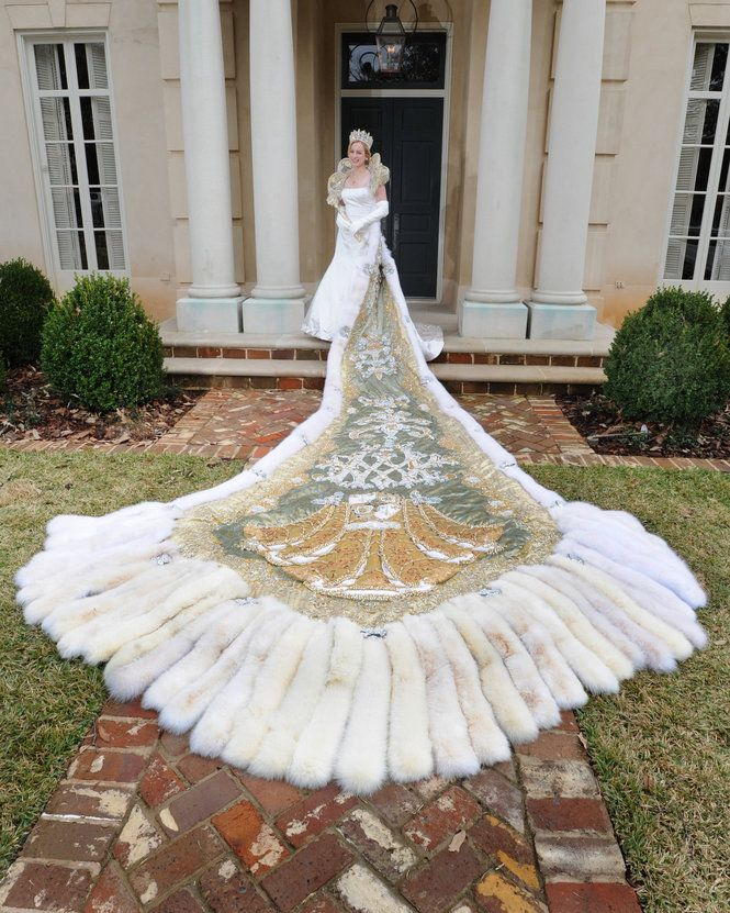 Wedding Gowns New Orleans: 1000+ Images About Queen Mardi Gra Gowns And Trains On