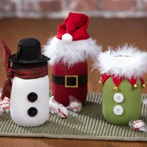 Fun and quirky Mason Jar holiday crafts. Made easy with paint, washi tape, buttons, feather boas and ribbon! A fun project to do with kids! #masonjarcraft #diyholiday #craftwarehouse craftwarehouse.com: