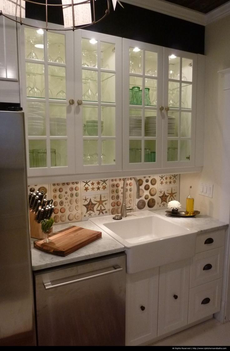"""Love this """"Dear Genevieve"""" kitchen!"""