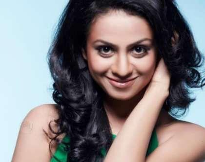 Manasi Parekh Biography, Age, Wiki, Height, Family, Husband, Profile. Actress Manasi Parekh Date of Birth, Bra size, Net worth, TV serials, Photos, Images