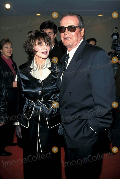 Animated Watch Wallpaper For Mobile James Garner And Wife Lois John Wick Best Actor Movie