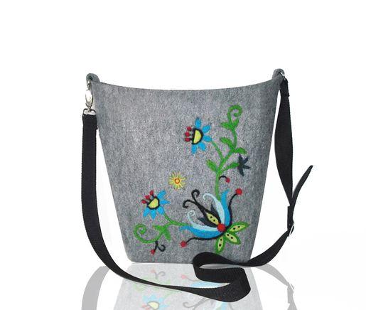 Ręcznie haftowana torba z filcu. Kliknij aby zobaczyć więcej!