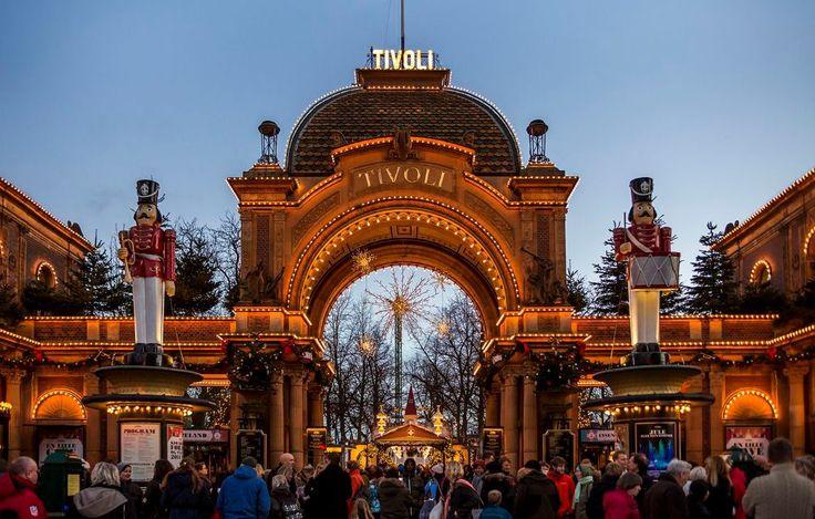 Le Tivoli de Copenhague en Décembre - SKANDIBLØG : SKANDIBLØG