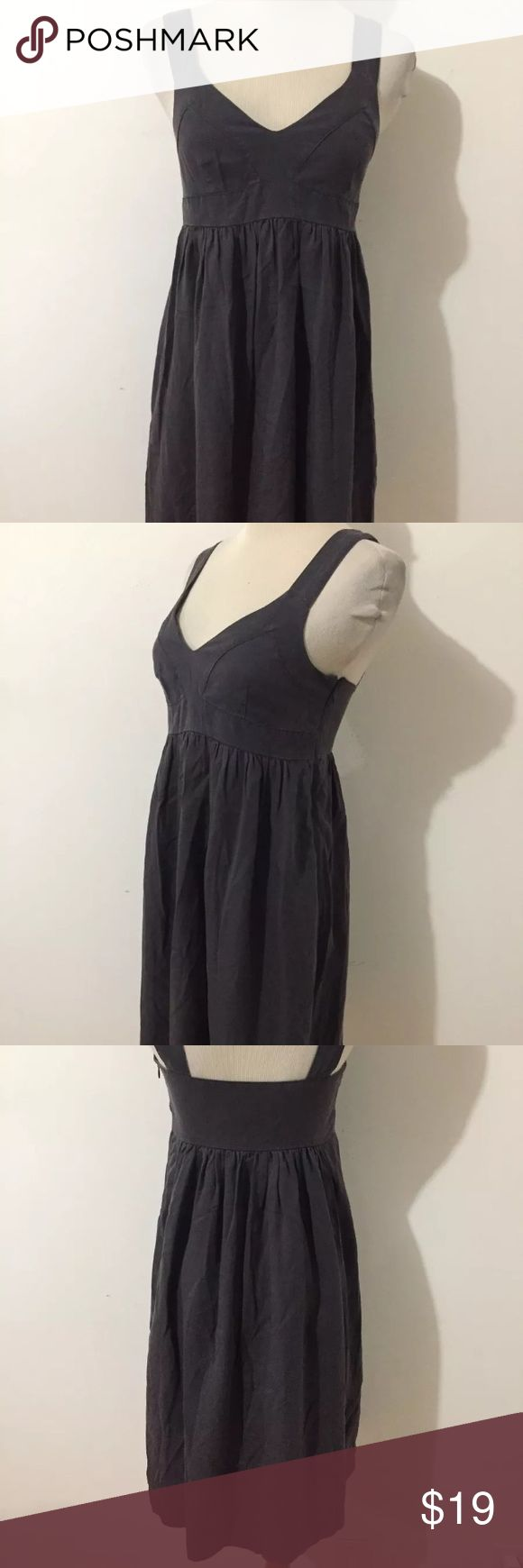 Lands' End Canvas Gray Fit & Flare Dress Sz 6 Lands' End Canvas Sleeveless Dress In Charcoal Gray. Classic style fitted under the bust with a flare skirt. Soft fabric with 100% lyocell. Lined in 100% polyester.  Only worn a couple of times. Excellent condition! Lands' End Dresses