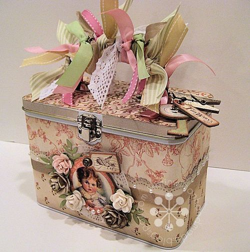 This Little Darlings altered tin is absolutely lovely from Kristin Wilson! The ribbons and flowers are such a whimsical touch #graphic45