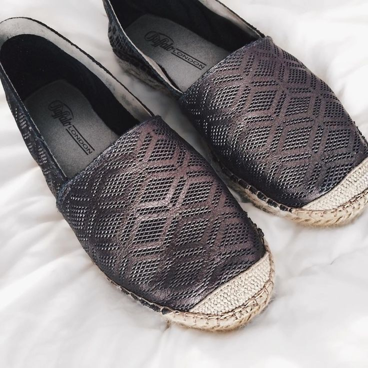 New shoes ❤���� Say hi. #love #shoes #espadrilles #summer #vibes #grey #instapic #shoeporn #flatshoes #girlythings #buffalo #canttouchthis #student http://butimag.com/ipost/1556643868269973520/?code=BWaT1nKBZAQ