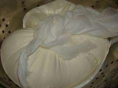 Domácí mascarpone - 1,5 l smetany = 1,1 kg mascarpone   NejRecept.cz