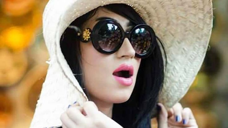 Facebook, Instagram removed Qandeel Baloch