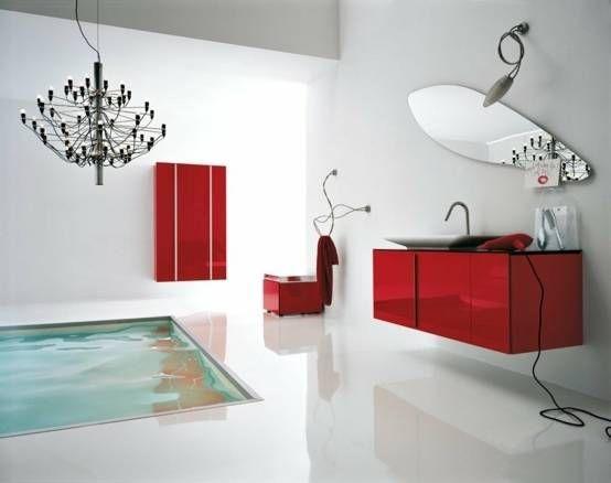 Graues und rotes Badezimmerdesign in einem frisch renovierten Zuhause Graue Wände ergänzen einen modernen roten …