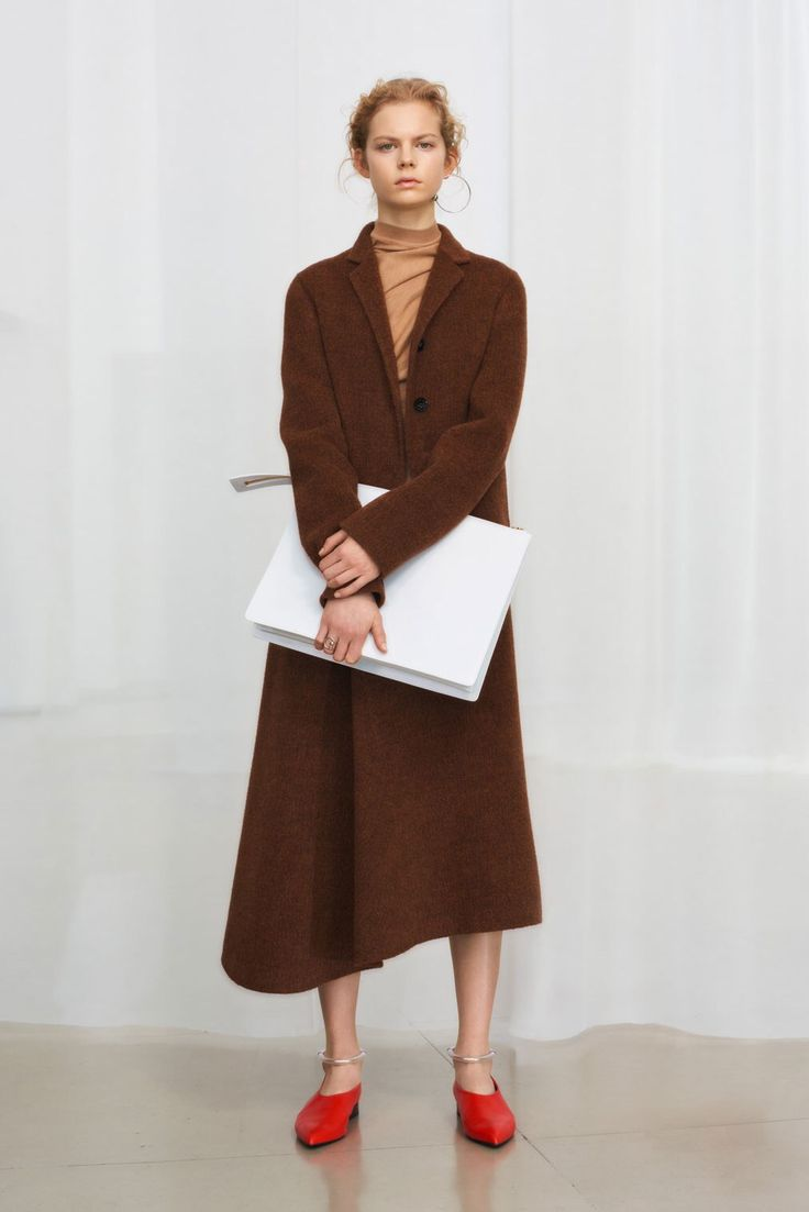 Jil Sander Pre-Fall 2018 Fashion Show Collection