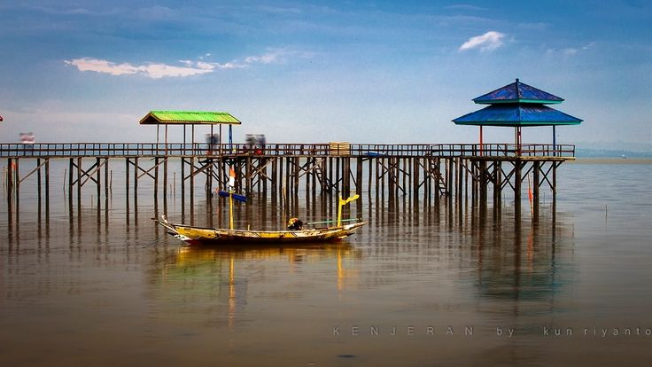 Side of pier on the beach by Kun Riyanto on 500px