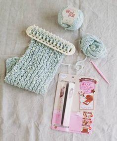 これさえあれば編み物も簡単!セリアからマフラーニットメーカーが登場しました。