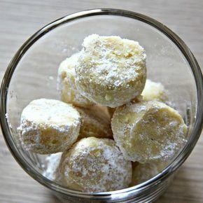 Ganz schnell gemacht sind diese super-leckeren Vanillebröckchen! Sie sind ähnlich wie Vanille-Kipferl und doch ganz anders … deshalb kann man sie natürlich auch außerhalb der Weihnachtszeit f…