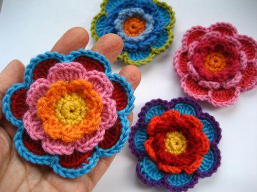 Crochet pretty Triple Layer Flower decoration !  Free pattern: http://wonderfuldiy.com/wonderful-diy-crochet-triple-layer-flower/