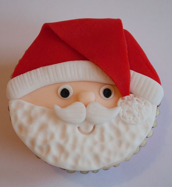 Custom Cake Classes - Christmas Cupcake Faces | Flickr – Compartilhamento de fotos!