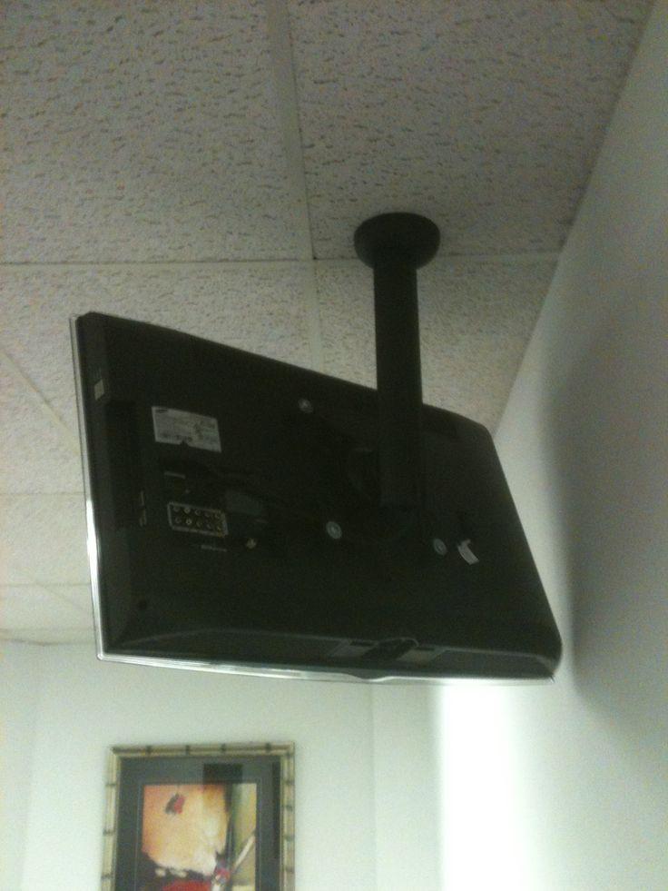 Ceiling mount TV bracket, Wires hidden inside downpipe