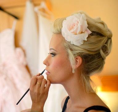 bride hair idea: Hair Ideas, Hair Bride, Brides Maids Stuff, Bride Hair, Wedding Hairs, Bridal Hair, Flowers Placements, Daydreamer Bride, Flowers Haird
