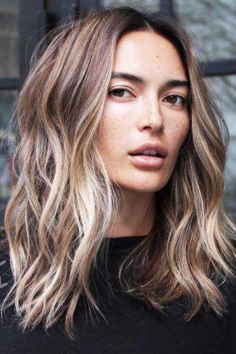 20+ beach wavy hairstyles for medium length hair