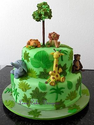 Animal Cake. Clare!!! look at this nice safari cake!!!