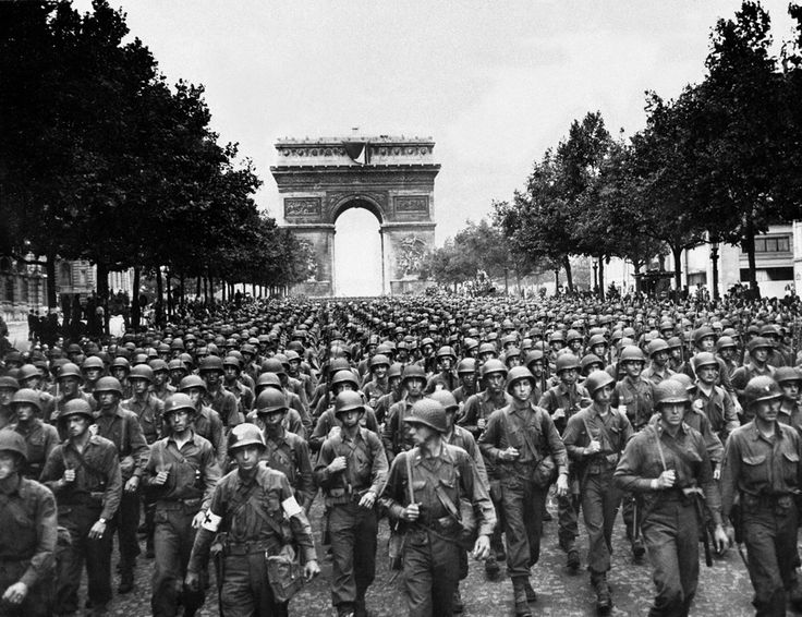 US troops in Paris, 29 August 1944Auguste 29, Paris, Infantry Division, Wwii, 28Th Infantry, Champs Elysees, Arc De Triomphe, Division Marching, Wars Ii