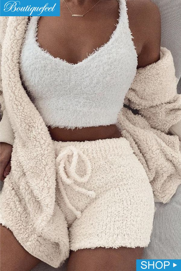 05f9480ff32 2019 的 Fluffy Hooded Open Front Teddy Coat   Short Sets