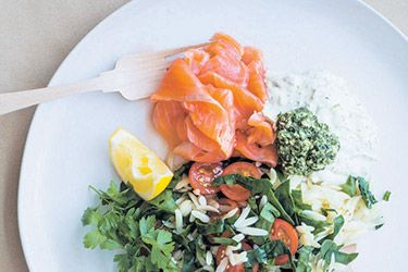 Smoked salmon, creme fraiche and spinach orzo pasta recipe, Bite – Nadia Lim's healthy, delicious packed lunch will make you the envy of your lunchroom colleagues – foodhub.co.nz