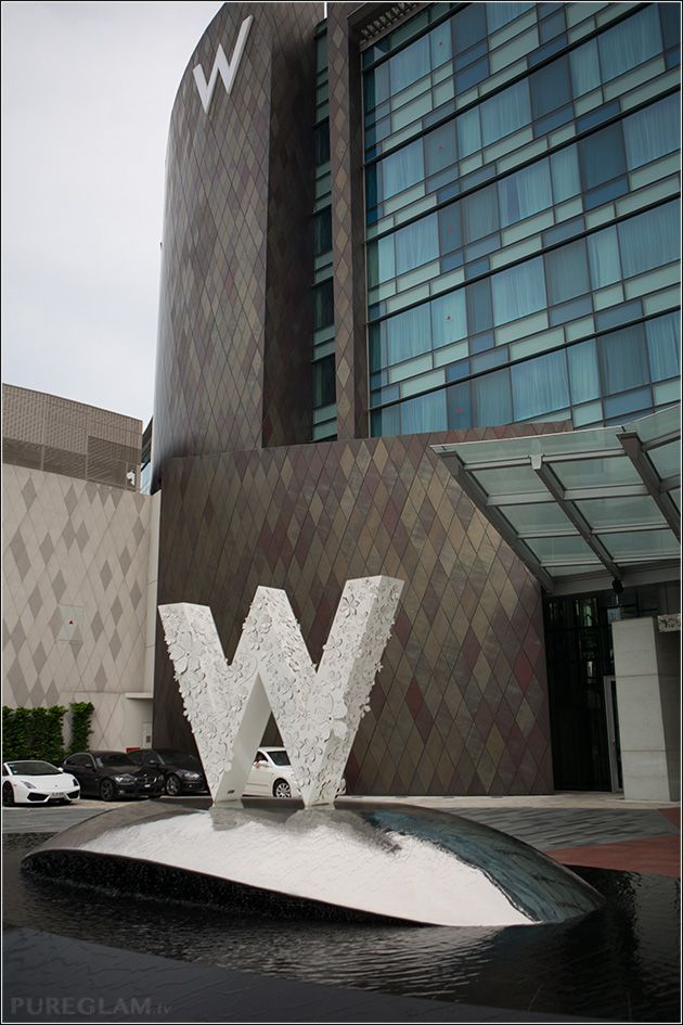 Entrance and fountain - W Hotel Singapore - Sentosa Cove - Starwood SPG Hotel, Asia