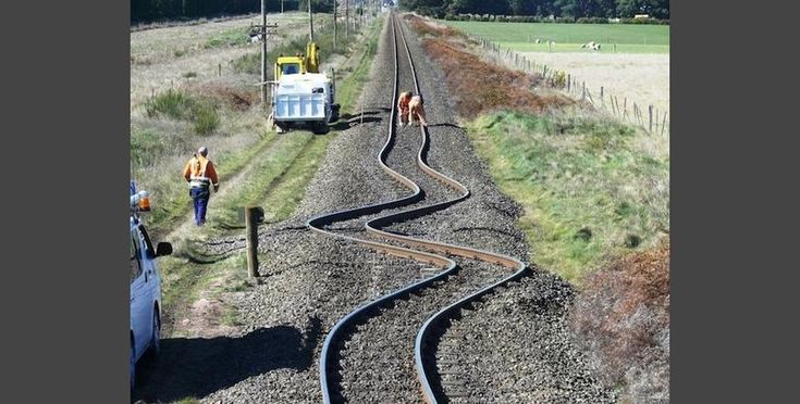 These 33 Photos Are Completely Unedited... This is what happens to a railroad after a small earthquake in New Zealand.