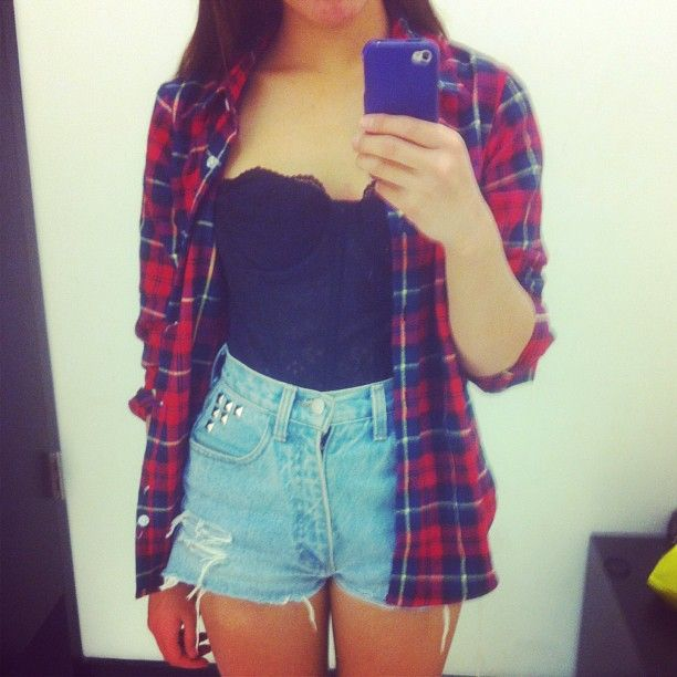 Open flannel, bustier and high waisted shorts!