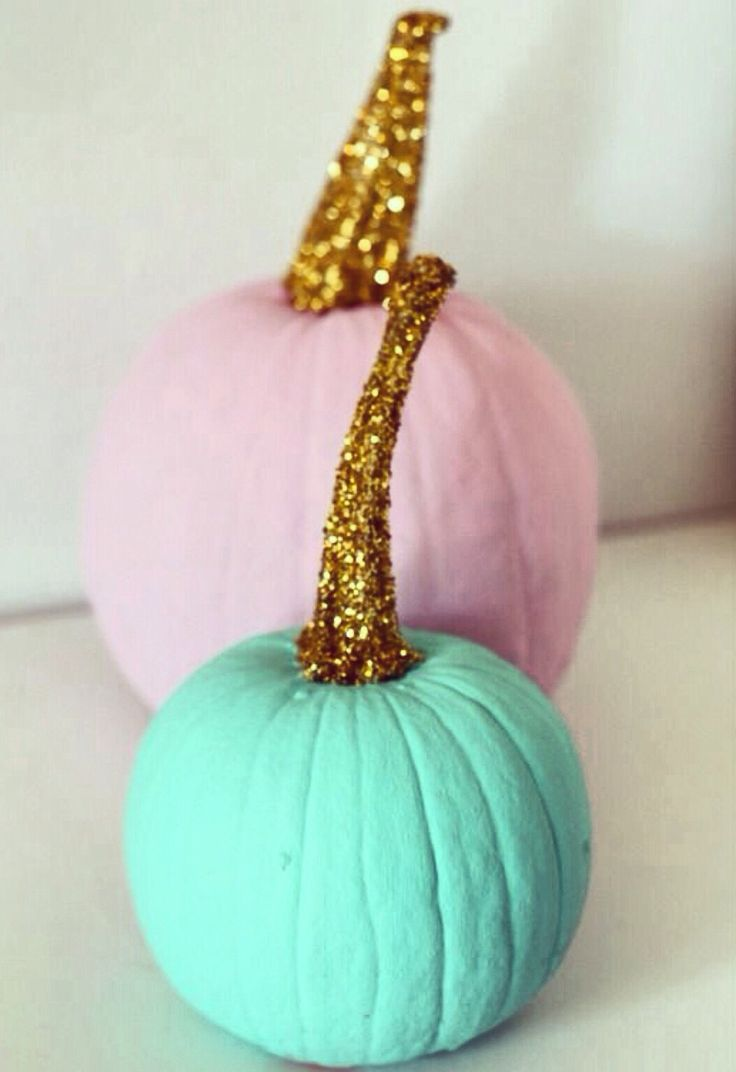 Make the pumpkins black