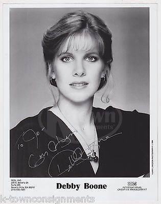 DEBBY BOONE YOU LIGHT UP MY LIFE SINGER ACTRESS AUTOGRAPH SIGNED PROMO PHOTO