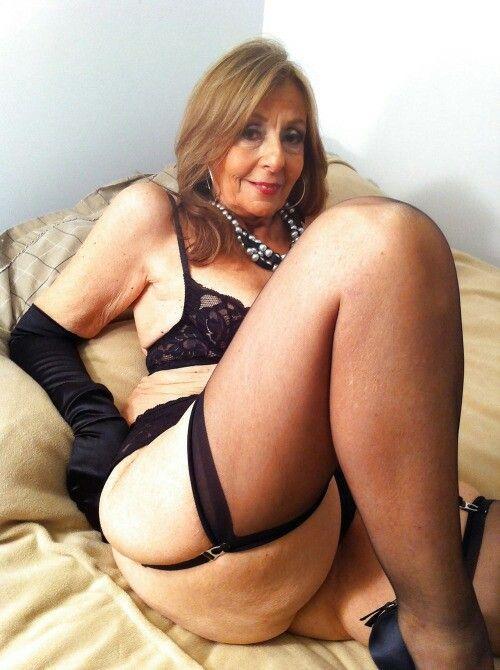 cuckold clean up erotiske klær