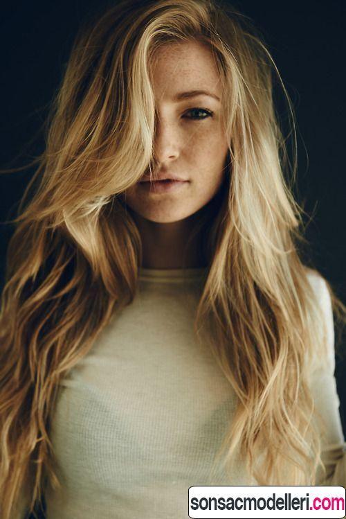 dalgalı uzun katlı saç kesimleri