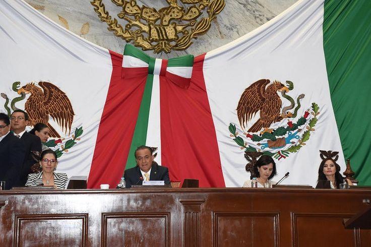 El Congreso del Estado aprobó diversas reformas, adiciones y derogaciones al Código Penal del Estado de Michoacán en materia de delitos de hechos de corrupción como el ejercicio ilícito de ...